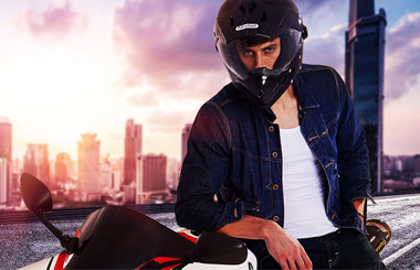 Airwheel_C8_Smart_racing_helmet